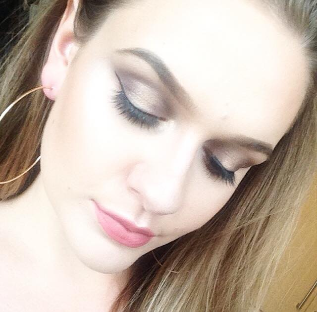 Makeup look using Bourjois, Eyeronic Lashes & Zoeva