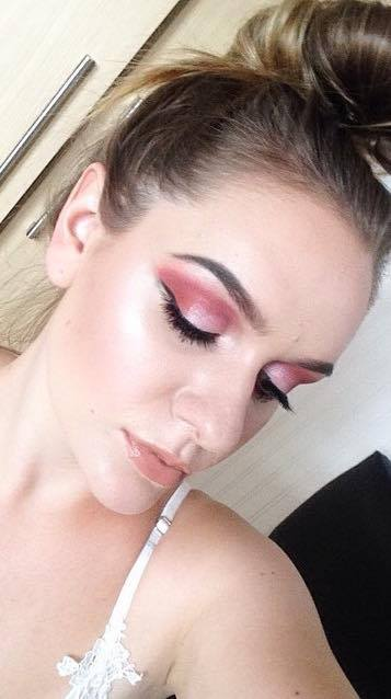 makeup cosmo look