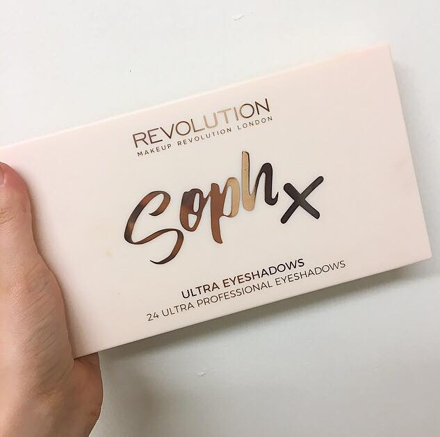 Revolution eyeshadow soph 1