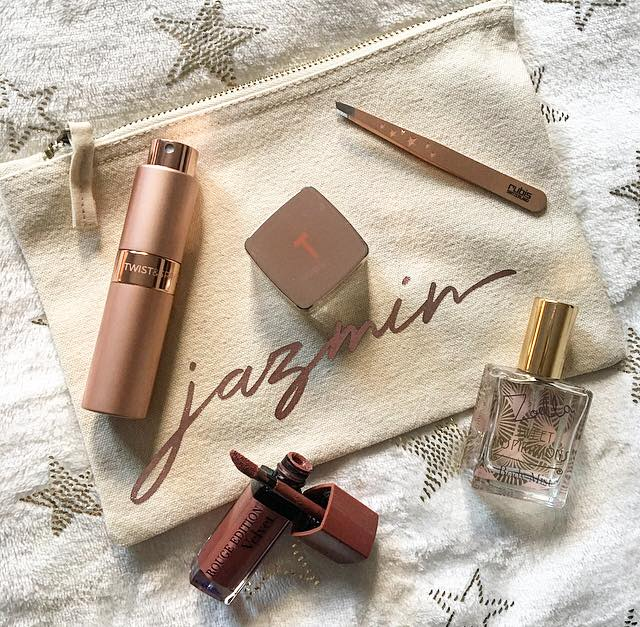handbag essentials si