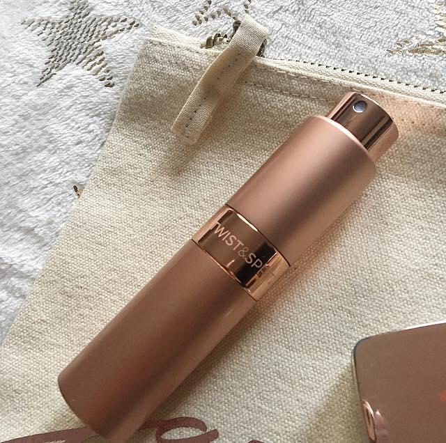 handbag essentials twist and spritz
