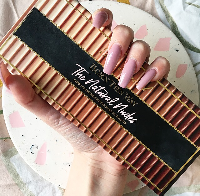 Too Faced Born This Way 'The Natural Nudes' Eye Shadow Palette | Review & Swatches